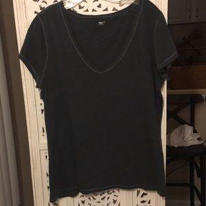 GAP Essential V-neck T-shirt Size XL